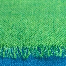 Zweifarbiger Schal in petrolblau und grün