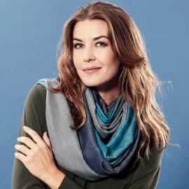 Kaschmir/Seiden-Schal in petrolblau und Grautönen