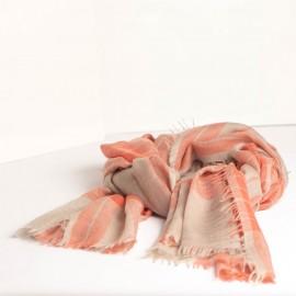 Schöner Schal mit Schottenkaro in blau und karamell