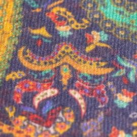 Dunkelblauer Paisley-Schal