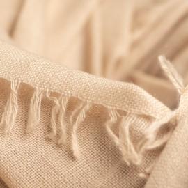 Sandfarbener Schal aus handgewebter Kaschmir