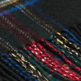 Schwarzes Tuch mit Schottenkaro