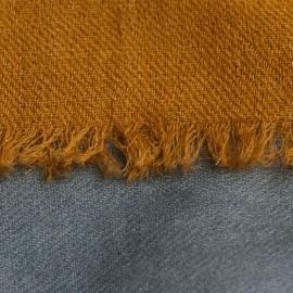Trefärgade kashmirsjal i gyllenbrun, vit och grå